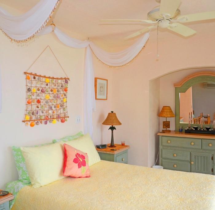 villa bed room sea view balcony